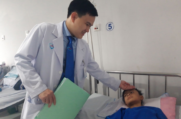 Bệnh viện Tâm Trí Đồng Tháp: Kịp thời cấp cứu bé trai 11 tuổi bị sốc mất máu do chảy máu ở hốc amidan, có nguy cơ tử vong