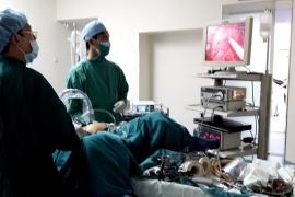 Cắt bỏ ung thư đại trực tràng bằng phẫu thuật nội soi ổ bụng (Laparoscopy)