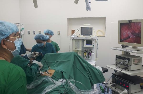 Phẫu thuật cắt đuôi tụy bằng nội soi